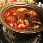 真っ赤なスープのきのこ鍋