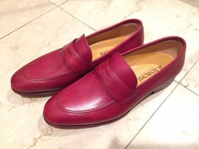 メンズの赤い靴